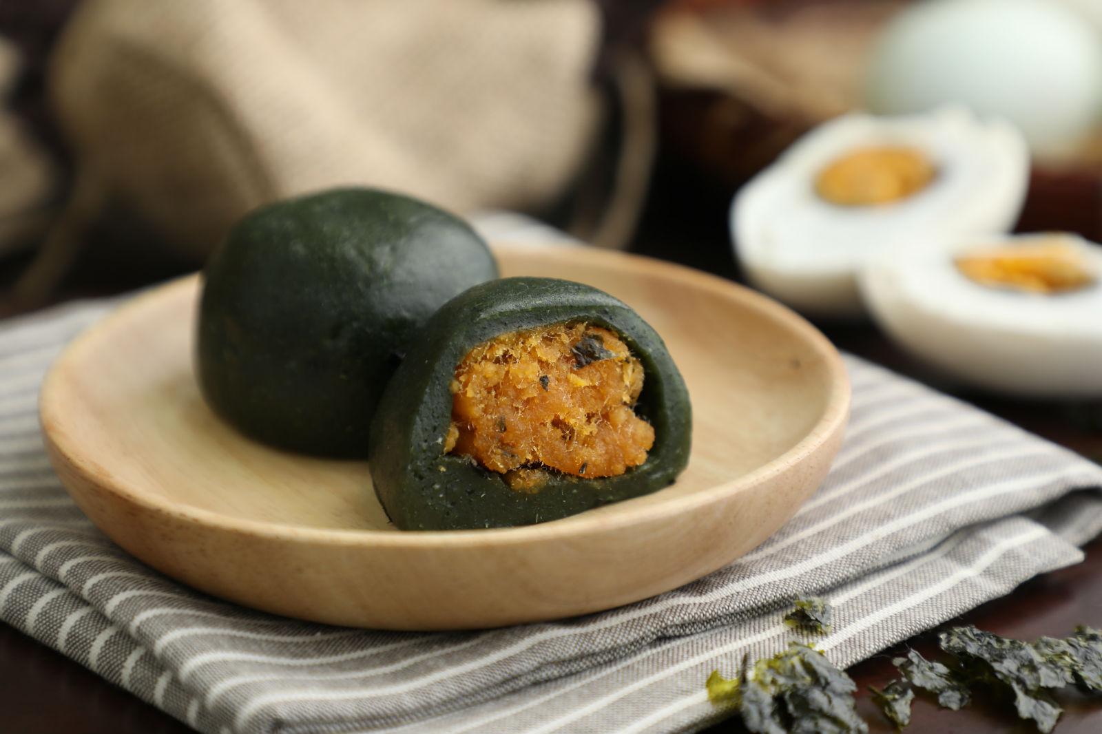 图2:盒马新雅联名款海苔蛋黄肉酥青团_meitu_23